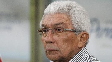 Givanildo admite frustração com a situação do Santa Cruz - Foto: Ricardo Fernandes/DP